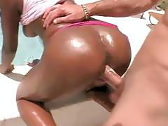 Hot ebony bitch with massive ass got nailed outdoors